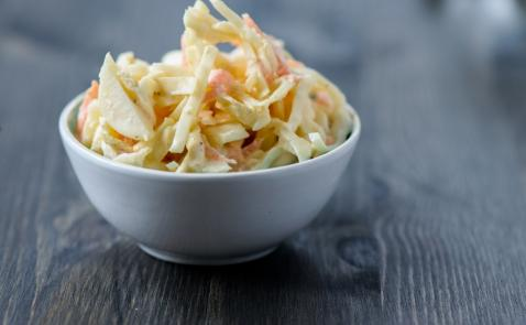 Ameriška zeljna solata (coleslaw)